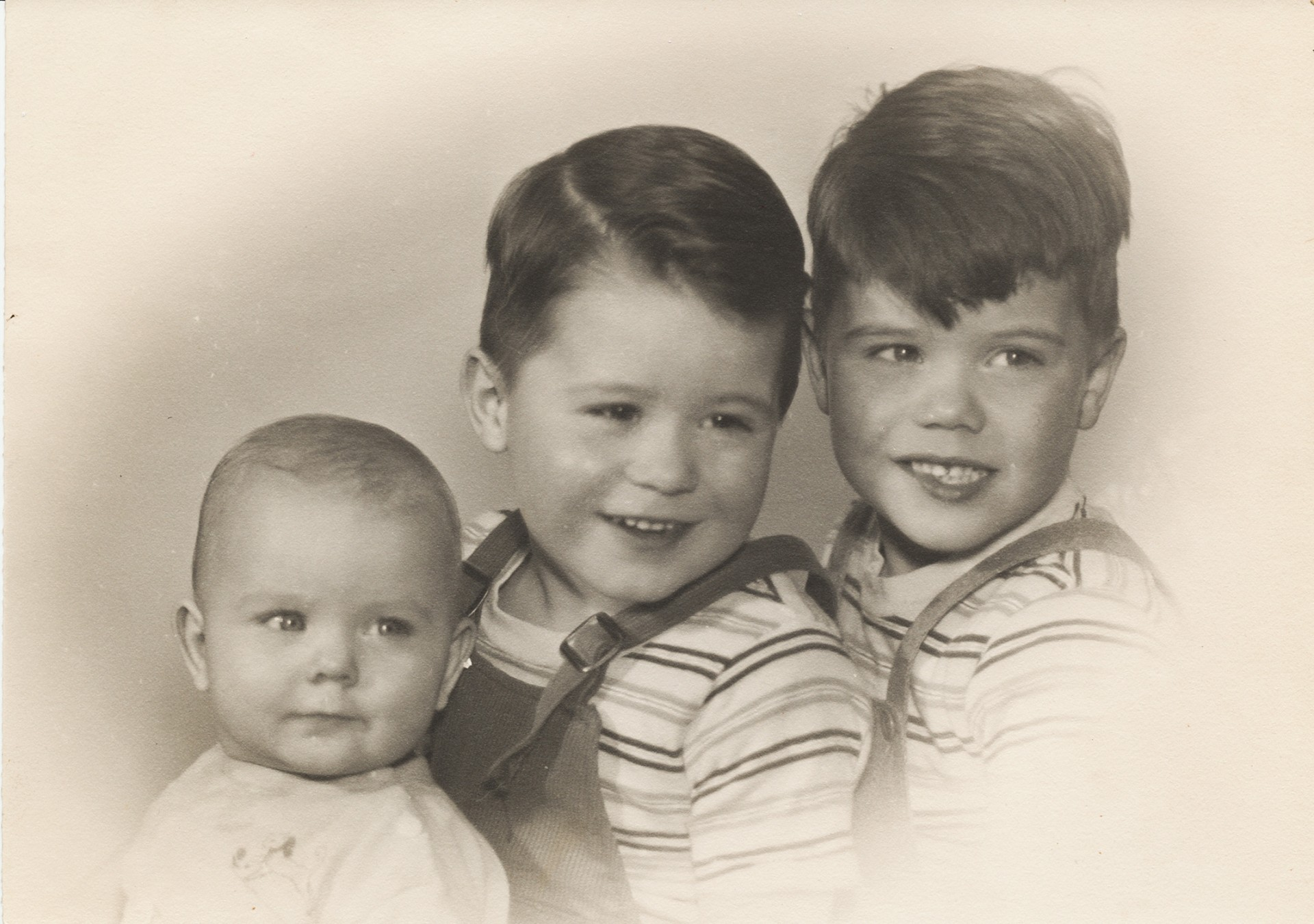Bill, Leslie, David April 1949