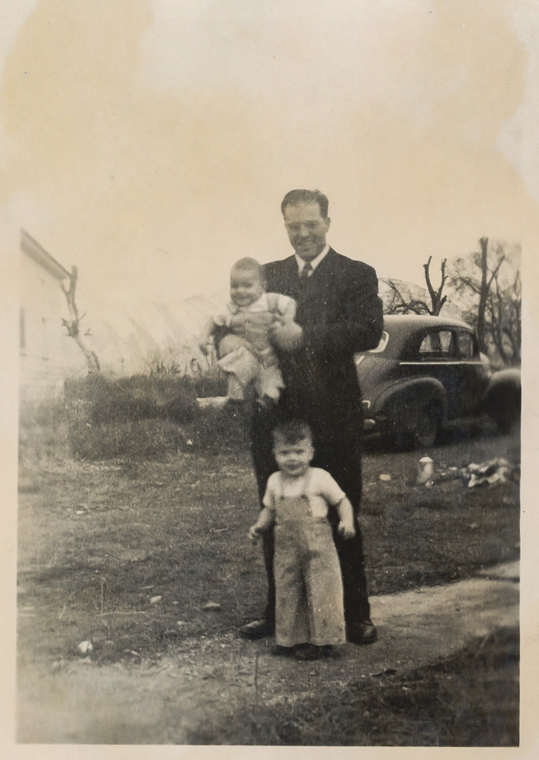 Harold with Leslie and David 1949
